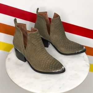NEW Jeffrey Campbell Cromwell booties
